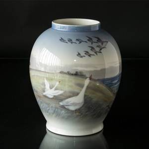 Vase with geese, Royal Copenhagen