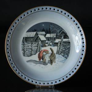 Wiberg Christmas Service, round cake dish with pixie and cat | No. 1510626 | Alt. 3510-624 | DPH Trading