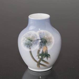 Vase with Dandelion, Royal Copenhagen | No. 1639815 | Alt. R2639-45-5 | DPH Trading
