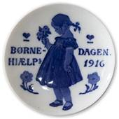 1916 Royal Copenhagen, Children's Welfare Day plate
