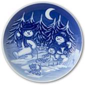 2005 Royal Copenhagen Plate, Winter Series, The snowmen at an outing in the...