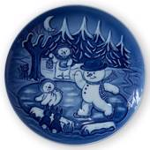 2006 Royal Copenhagen Plate, Winter Series, The snowmen skiing on the lake ...