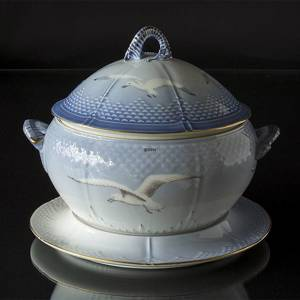 Seagull Service with gold, tureen with dish, large, capacity 4 l., Bing & Grondahl Royal Copenhagen | No. 3-666-1 | DPH Trading