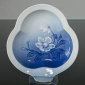 Cake dish leaf shape Service Christmas rose 20cm