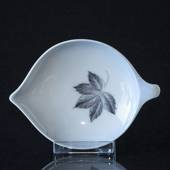 Leaves Leafshaped Dish, Bing & Grondahl