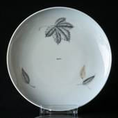 Leaves flat cake plate 16cm, Bing & Grondahl No. 28A