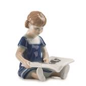 Else Reading, mini, Girl sitting with book, figurine