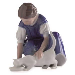 Only one Drop, Girl with Cat drinking milk, mini figurine, Royal Copenhagen | No. 5021094 | DPH Trading