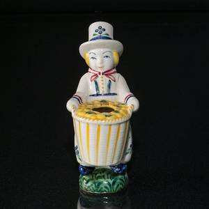 Cousin Amager, 1944, Aluminia Children´s Day figurine no. 2328 | No. ABF1944 | DPH Trading