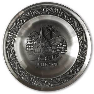 1978 Astri Holthe Norwegian Pewter Christmas plate, Stave Church | Year 1978 | No. AHX1978 | DPH Trading