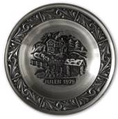 1979 Astri Holthe Norwegian Pewter Christmas plate, Bringing home the Chris...