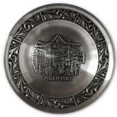 1982 Astri Holthe Norwegian Pewter Christmas plate, Christmas Shopping