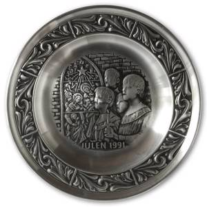 1991 Astri Holthe Norwegian Pewter Christmas plate, Singing Psalms in Church | Year 1991 | No. AHX1991 | DPH Trading