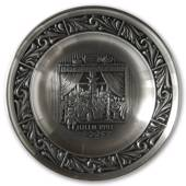 1993 Astri Holthe Norwegian Pewter Christmas plate, The Christmas Window