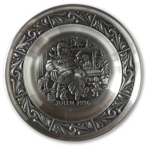 1996 Astri Holthe Norwegian Pewter Christmas plate, Santas Gift List | Year 1996 | No. AHX1996 | DPH Trading