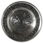 1997 Astri Holthe Norwegian Pewter Christmas plate, A Joyful Visitor before...