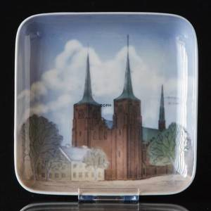 Square dish with Roskilde cathedral, Bing & Grondahl | No. B1300-6606 | DPH Trading