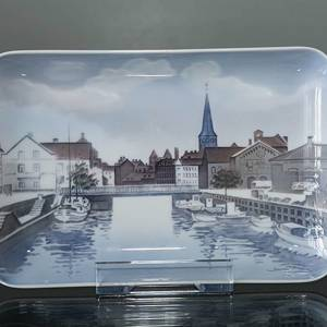Dish with view of Aarhus harbour, Bing & Grondahl no. 1024329 / 1301-6589 | No. B1301-6589 | Alt. 1024329 | DPH Trading