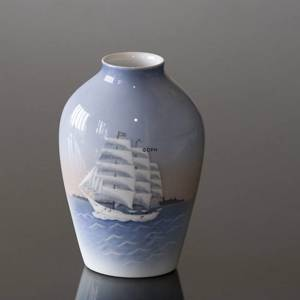 Relief vase with Training Ship, Bing & Grondahl No. 1302-6239 | No. B1302-6239 | Alt. 1024339 | DPH Trading