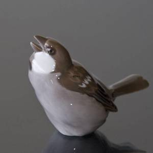 Sparrow singing its song, Bing & Grondahl bird figurine No. 1607 | No. B1607 | DPH Trading