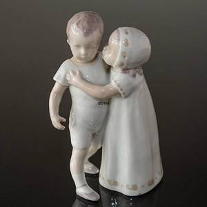Love Scorned, Special Edition, Girl trying to Kiss Boy, Bing & Grondahl figurine no. 1614 | No. B1614-1 | DPH Trading