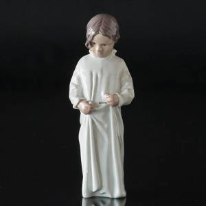 Good morning, Mama, Girl in nightgown, Bing & Grondahl figurine no. 1021408 / 1624 | No. B1624 | Alt. 1021408 | DPH Trading