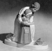 Woman and child, Bing & Grondahl figurine