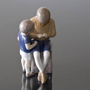Tom & Willy, big brother and little brother, Bing & Grondahl Children figurine No. 1648 | No. B1648 | DPH Trading