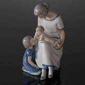 Mother with 2 children, Bing & Grondahl figurine