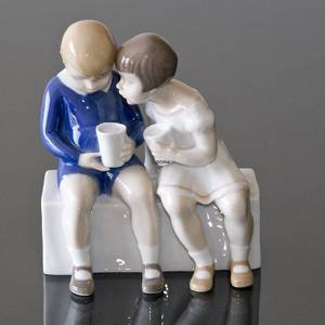 Unfair treatment, children sitting and drinking milk, Bing & Grondahl figurine | No. B2175 | DPH Trading