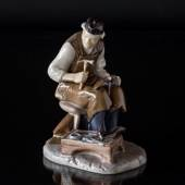 Shoemaker mending the shoes, Bing & Grondahl working man figurine