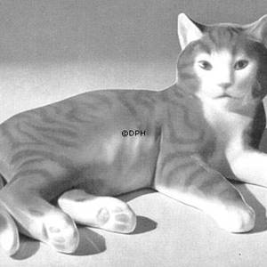 Cat lying down, Bing & Grondahl cat figurine | No. B2236 | DPH Trading