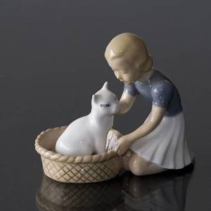 Friends, Girl with cat, Bing & Grondahl figurine No. 2249 | No. B2249 | DPH Trading