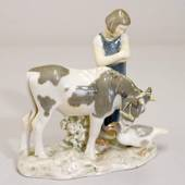 Girl with goose and cow, Bing & Grondahl figurine