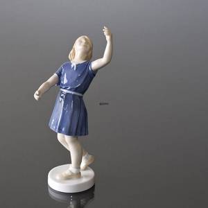 There it went, girl looking up, Bing & Grondahl figurine No. 2273 | No. B2273 | Alt. 2273 | DPH Trading