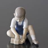 The little Builder, Boy making a sand castle, Bing & Grondahl figurine