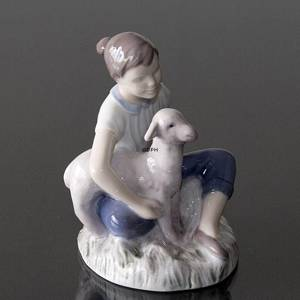 Girl with lamb, Mary had a little lamb, Bing & Grondahl figurine | No. B2336 | DPH Trading