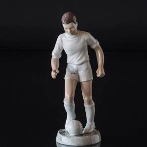 Soccer player in white, Boy playing Ball, Bing & Grondahl figurine No. 2375 | No. B2375-1 | DPH Trading