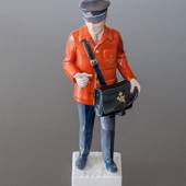Postman with red coat bringing the news, Bing & Grondahl figurine
