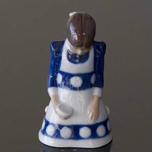 Girl having spilled her Milk, Bing & Grondahl figurine No. 2526