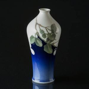 Vase with flowers, Bing & Grondahl jugend style No. 4195-124 | No. B4195-124 | DPH Trading