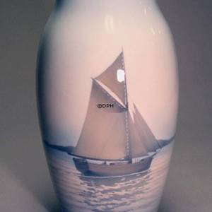 Vase with brown Sailingship, Bing & Grondahl