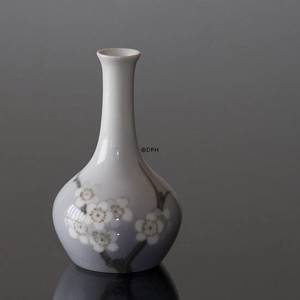 Vase with Apple Twig, Bing & Grondahl | No. B63-143 | DPH Trading
