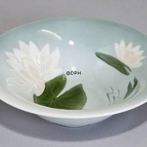 Bowl with waterlily, Bing & Grondahl