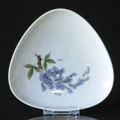 Dish with wisteria, Bing & grondahl No. 72-92