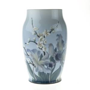 Vase with Flowery Branch, Bing & Grondahl | No. B7208-2 | DPH Trading