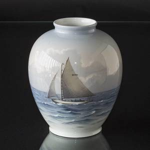 Vase with ship, Bing & Grondahl