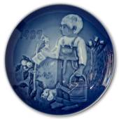 1987 Bing & Grondahl, Children's Day Plate