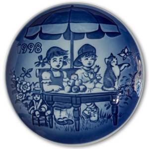 1998 Bing & Grondahl, Childrens Day Plate | Year 1998 | No. BD1998 | Alt. 1902898 | DPH Trading