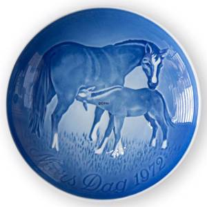 Horse with Foal 1972, Bing & Grondahl Mothers Day plate | Year 1972 | No. BM1972 | Alt. 1902672 | DPH Trading
